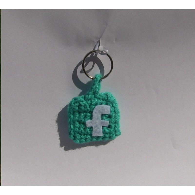 Portachiavi Facebook uncinetto